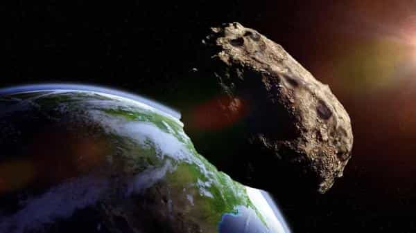 زمین در اردیبهشت با شهابسنگی بزرگ نابود میشود؟