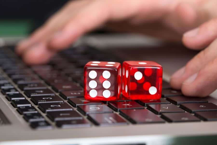 سرقت اطلاعات بانکی در سایتهای شرط بندی