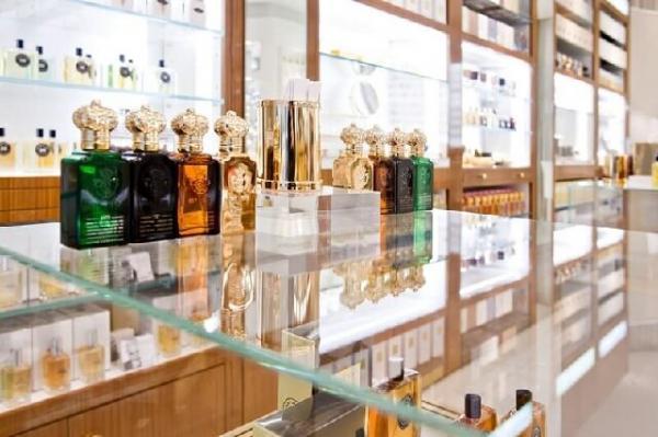 واردات عطر هم ممنوع شد/ خداحافظی بازار ایران با عطرهای خارجی!